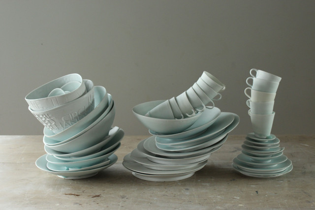 Wasters made from discarded ceramics