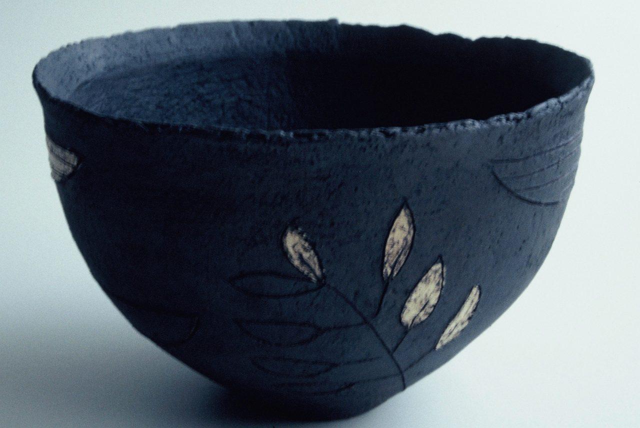 """""""Tarwhite"""" (Te Awaiti) 1997 red clay, slip, stain"""